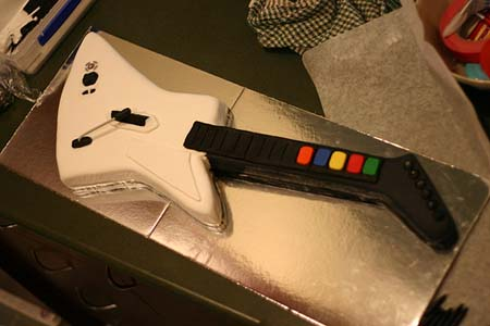 Guitar Hero Cake Tutorial 02