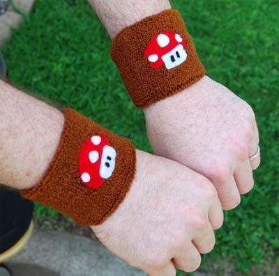 Mario Armbands 01