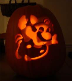 Raccoon Mario Pumpkin 02