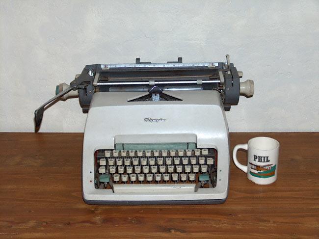typewriter-mug.jpg