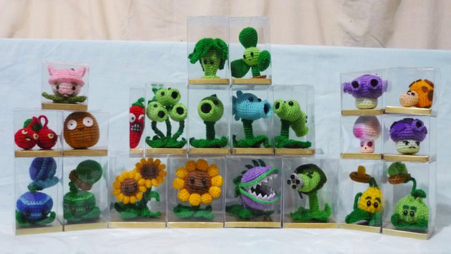 Crochet Plants Vs Zombies Patterns : Crocheted Plants vs Zombies Sprite Stitch