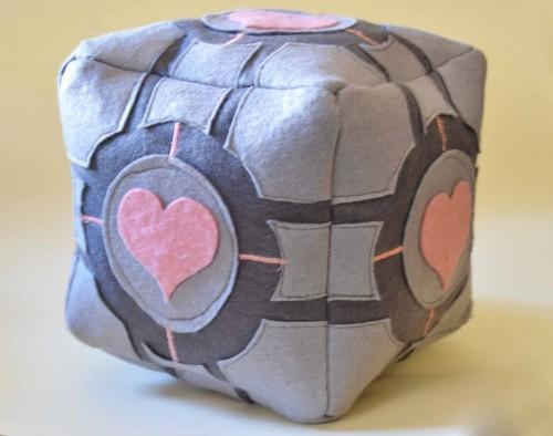 companion_cube_by_thedarklittlebunny-d7vvt20
