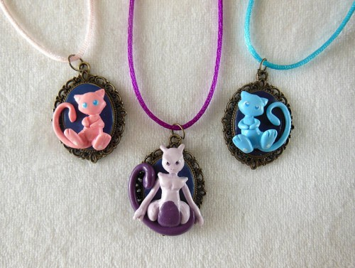 mew__shiny_mew_and_mewtwo_cameo_by_littlebreeze-d6oa9k6